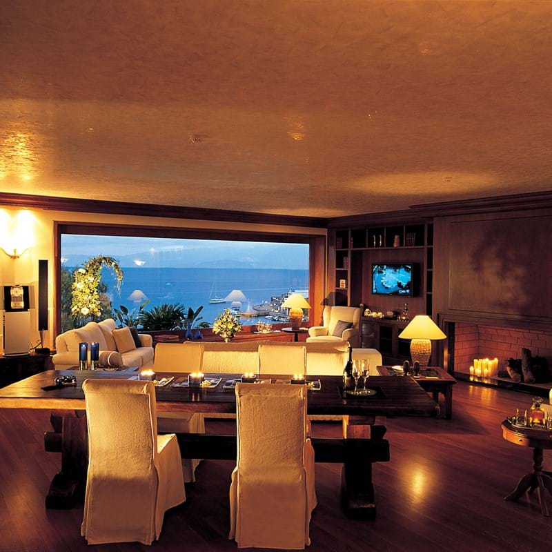 The Three Bedrooms Penthouse Suite with Panoramic Sea View