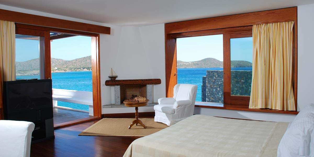 The Presidential Suite with Private Heated Pool on Water's Edge