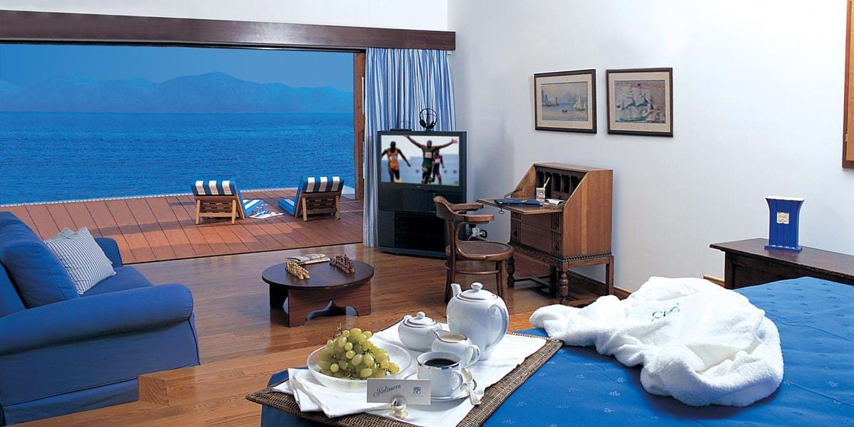 The Grand Suite Front Sea View with Private Heated Pool